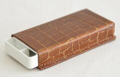 小さいのに本格派本革製フリスクケース≪COBU≫PRICELESSで使われた本革製クロコ風フリスクケー...