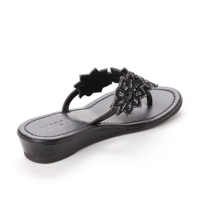 キスコ KISCO 【本革】フラワーモチーフビーズ飾りトングサンダル (ブラック)
