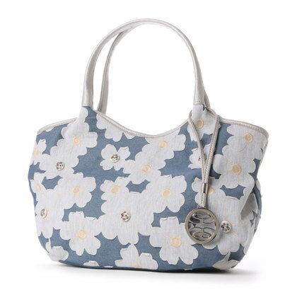 サボイSAVOYデニム地に花柄を合わせたバッグ(ホワイト)