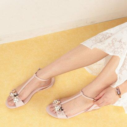 マリー ファム Marie femme 【クッション入り】フラワーモチーフTストラップサンダル (ライトピンク)