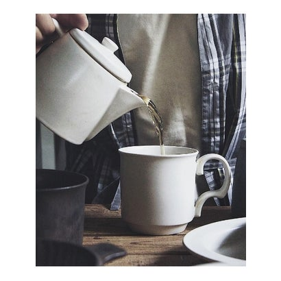 TIMELESS COMFORT ANCIENTPOTTERYマグカップ (ホワイト)