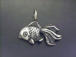 金魚ペンダントトップ