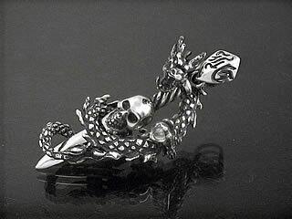 ドラゴンワインドスカルソードトップ シルバーアクセサリー 送料無料 龍 竜 髑髏 スターリングシルバー 925:シルバーアクセサリーラブクラフト