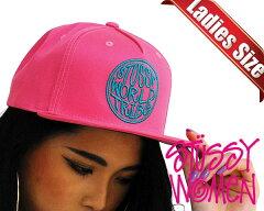【ステューシー レディース】STUSSY WOMEN WORLD TRIBE CAP coral