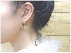 """【新作80%OFF/12800円】選べるK18[ホワイト/ピンク/イエロー]ゴールド製0.06ct[SIクラス]""""月""""『LunaThemoon』透明感溢れる""""ダイヤモンドスウィングスウィングピアス--ModernStyle--【送料無料】【%OFF】【SALE】【_包装】【_メッセ】"""