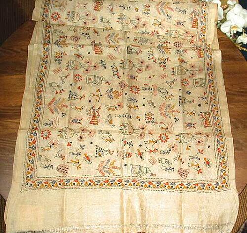 あなたはスカーフ?それともインテリアクロス?インドの美しい手刺繍贅沢テイストもたっぷりカンタ...