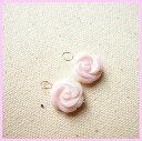 ふんわりピンク コンクシェル薔薇10mm K10チャーム【祝18周年天然石特別】