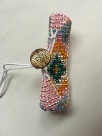 秀さんビーズ織りブレスボタンもかわいいです