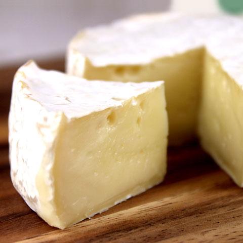 カマンベールチーズ デンマーク産