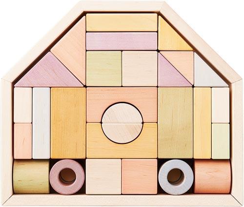 日本の木、日本の塗料を使った安心な積み木 エドインターNIHONシリーズ 木箱付き「つみきのいえ Mサイズ」 32ピース 日本製 (ボックス入り) ラッピング、のし無料 【出産祝い、お誕生日に!】