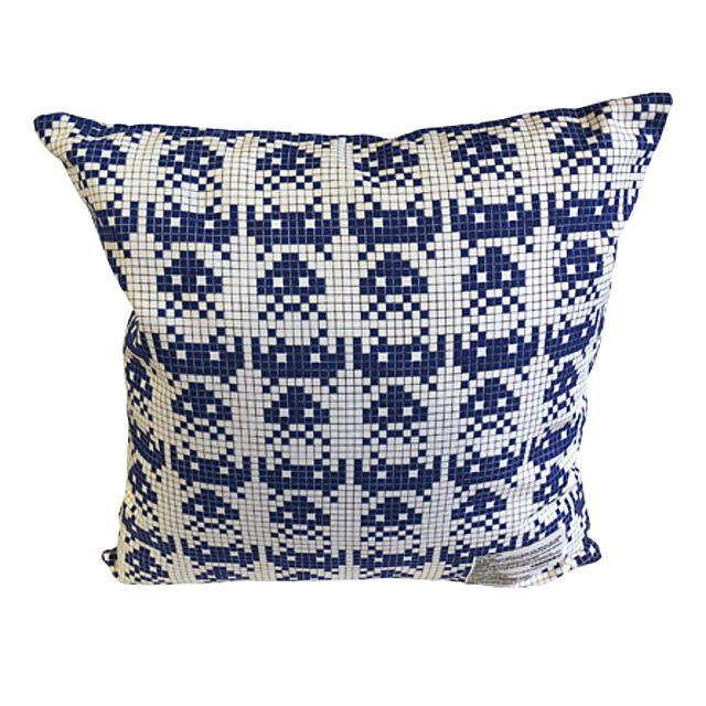 クッションカバー, 角型 !!SALE!! FABRICK SPACE INVADERS SQUARE CUSHION COVERPILLOW MULTI MLE019-INVADERS-0011 AIS MEDICOM TOY