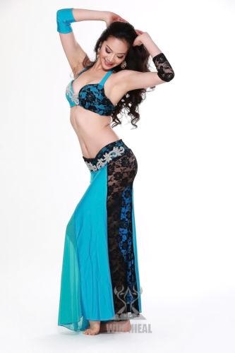 ベリーダンス 衣装 4 セット ブラ&スカート&アームバンド 32-34A/B 36A/B 38A/B 7 カラー コスチューム ダンス 衣装 発表会