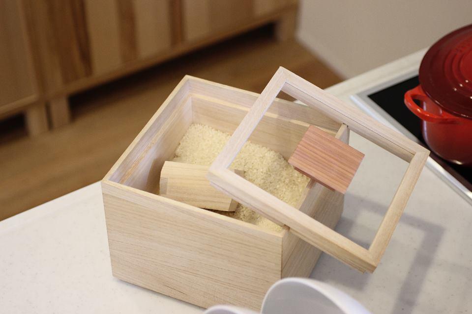 米びつ【 kome-bitsu 】5kg/キッチン用品/贈り物/プレゼント/桐/桐箱/木製品/日本製/職人/米櫃/