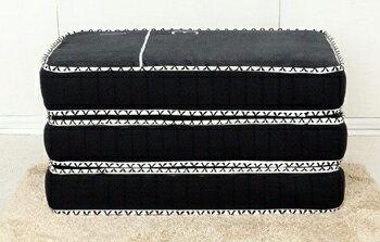 1/3Black(さんぶんのいちブラック)を折り畳んだ状態の画像です。