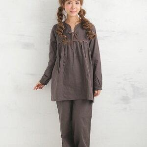 楽天1位の肌にやさしいパジャマ、胸の切り替え、ギャザー、衿元のリボンもかわいさを盛り上げます。