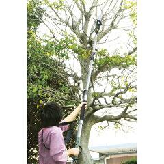 高い樹木もスパッと切れる電動チェンソー!【garden】家庭用高枝切りチェンソー