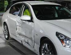 国産車修理【大破】ニッサンスカイライン修理内容:右側面事故修理(骨格修正)修理工賃ポイント10倍