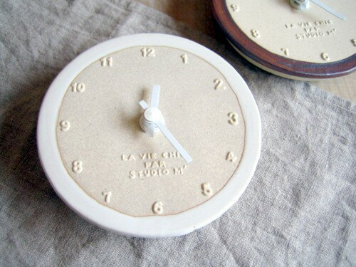 スタジオエム(スタジオM) 時計 小 白巻き サビ巻き 時計 壁掛け 掛け時計 掛時計 クロック おしゃれ リビング 寝室 キッチン 台所 ウォールクロック とけい トケイ 北欧 デザイン 雑貨 ギフト 新生活