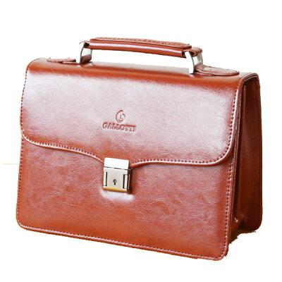 鍵付きセカンドバッグ