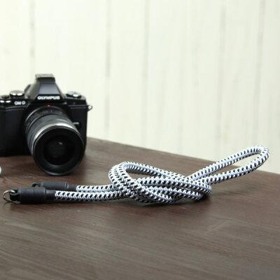 個性的!日本の伝統工芸・組紐でできたカメラストラップ