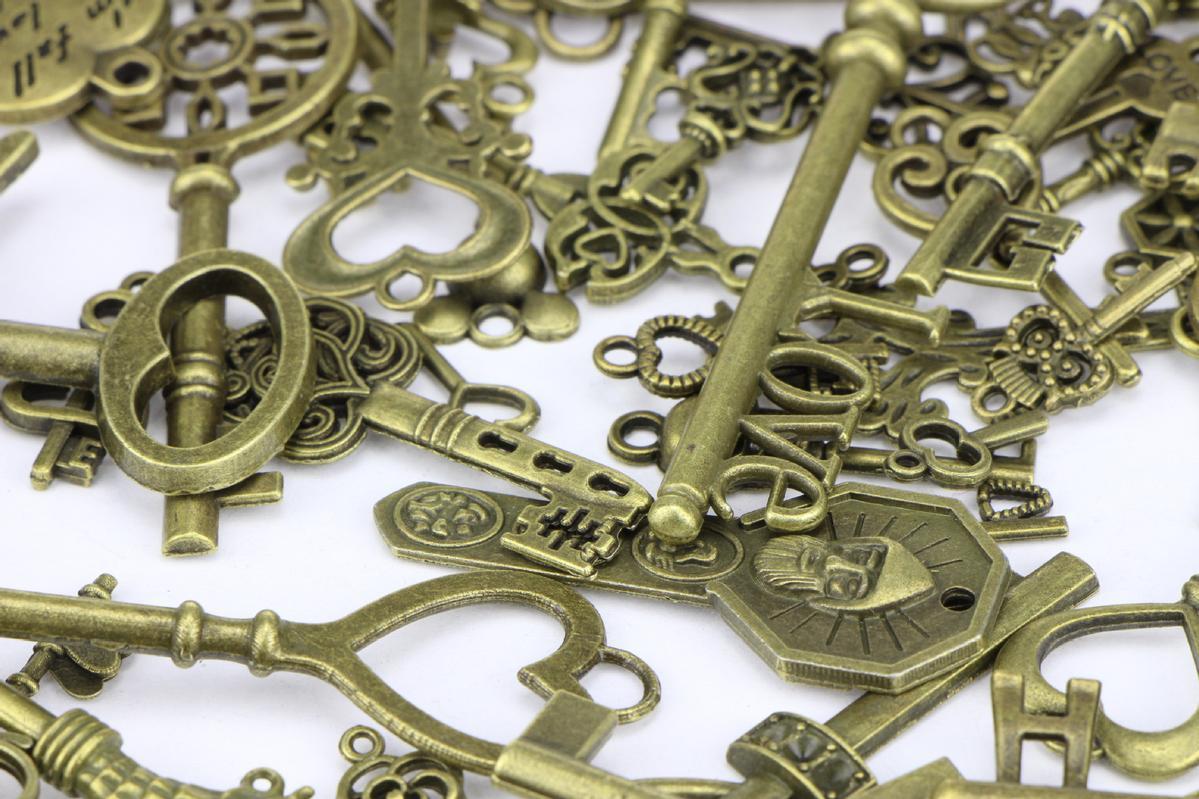 キーホルダー キーリング & レトロ キー チャーム 70個セット アンティーク ブロンズ  パーツ 鍵           mmk-l19
