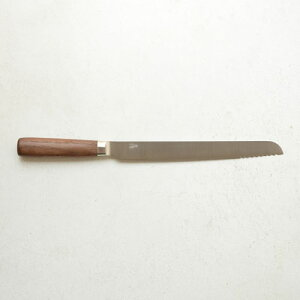 包丁工房タダフサの基本の3本シリーズ。先だけ波形の少し変わったパン切り包丁です。日本の刃物...