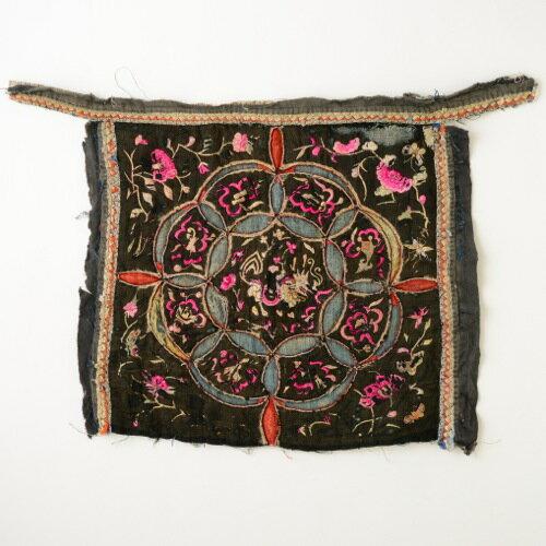 中国 貴州省 苗族 オールド 刺繍布 龍