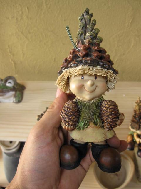 森の妖精の置物立った妖精