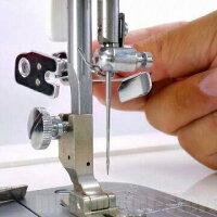 二股部分を押え留めネジを挟むように留めます。