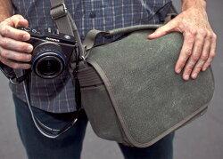 シンクタンクフォトレトロスペクティブ5ショルダーバッグ型カメラバッグ『1〜3営業日後の発送』【軽量一眼レフダブルズームレンズキットやオリンパスペンシステムが収納可能!コンパクトなカメラバッグ】
