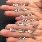 西暦ステンレスピアス/1個販売 ミレニアム 1988年 1987年 1986年 1985年 1984年 1983年 1982年 1981年 1980年 20G 20ゲージ レディース メンズ 年越し 記念日 誕生日 プレゼント 新年 年末 年始 ャッチピアス スタッドピアス 男の人 女の人 忘年会 新年会 数字 ナンバー