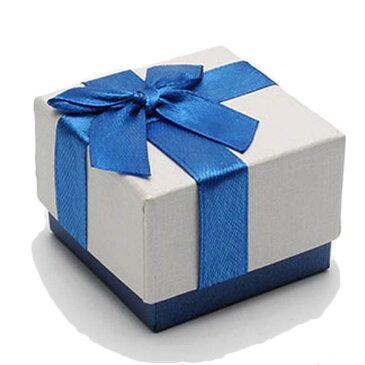 ブルーリボンラッピングボックス(53mmx53mmx38mm) 1個販売 クリーム色 箱 青色 指輪 リング ネックレス チョーカー ペンダント ブレスレット ピアス イヤリング 小さい 小物 収納 アクセサリー ケース ギフトボックス ショーケース 告白 記念日 ジュエリー サプライズ