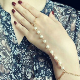 真珠パールゴールドフィンガーブレスレット1個販売 バングル 腕輪 指輪 つなぐ メンズ レディース ゴールドチェーン ビーズ ファランジリング ミディリング ボヘミアン ゴールドチェーン 金メッキ 鎖 クサリ おしゃれ 人気 結婚式 パーティー イミテーション 人気 綺麗 女子