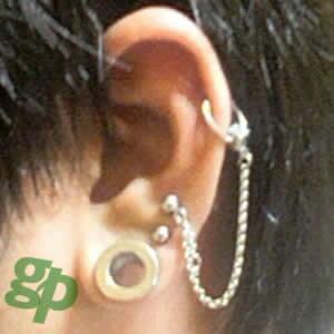 ながのっちさんの耳のボディピアス写真☆サージカルチェーン(GG)(M)