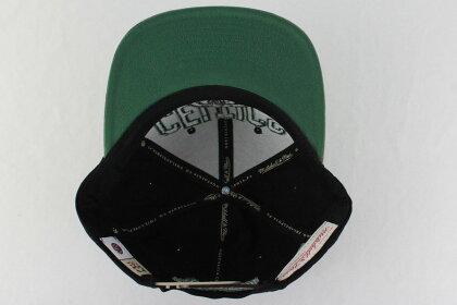 ミッチェル&ネスMitchell&Nessバスケキャップウッドランドカバー2スナップバックボストン・セルティックス有名選手カイリー・アービング【6HSSMM18145-BCEBLCK-OS】