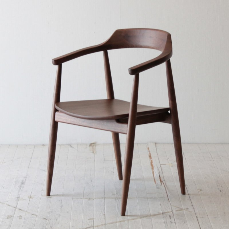 【着後レビューで 5%OFF クーポンGET】北欧家具 ダイニングチェア 無垢 天然木 木製ダイニングチェア 北欧 椅子 食卓椅子 いす イス 木脚 天然木椅子 チェア イス 肘掛付き NRT-C-500862