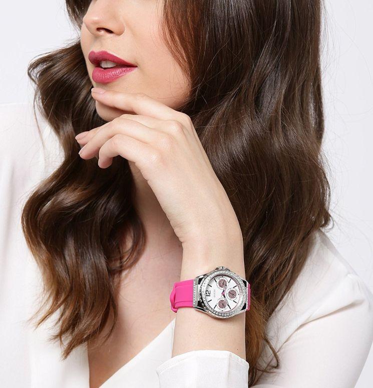 ゲス GUESS 女性用 腕時計 レディース ウォッチ ホワイト W0846L2  【並行輸入品】