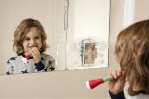 【ヨーロッパ製お子様が一人でハミガキ上手に!コーチングアプリで正しいハミガキを身につけられる子供用知育歯ブラシ】プレイブラッシュスマート歯ブラシの柄に差し込むだけ☆豊富なゲームで1回2分正しいハミガキを習慣化《対象年齢3才以上》