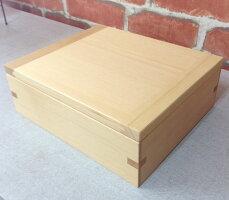 天使の木箱彫刻前