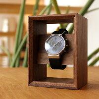 大切な腕時計を額縁に飾るようにディスプレイする木製腕時計スタンド「DisplayFrameforWatch」