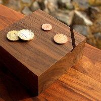 オブジェのように美しい無垢の木を削り出した貯金箱「CoinBox」