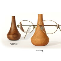 大切なメガネやサングラスをおしゃれなインテリアとして部屋に飾る事ができる木製メガネスタンド・メガネホルダー