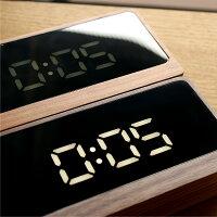 暗闇でも時間がはっきり確認できるホワイトLEDを使用、寝室でも眩しくないよう明るさ調整機能(強/弱)やナイトモード(スケジュールによる明るさ調整)もご用意