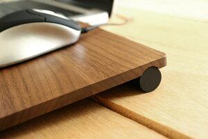 表面を使用する場合は、付属のパーツを付けて、高さを調節することができます