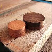 ■印鑑のお供に、高級木材を使用した朱肉「InkPad30」