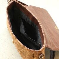 コルクレザーを活用、丸みを帯びたキュートなショルダーバッグ「CONNIEFlapShoulder」