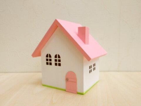 ピンク屋根の小物入れ(S)日本製 ハンドメイド 木製 ピンク 小 単品