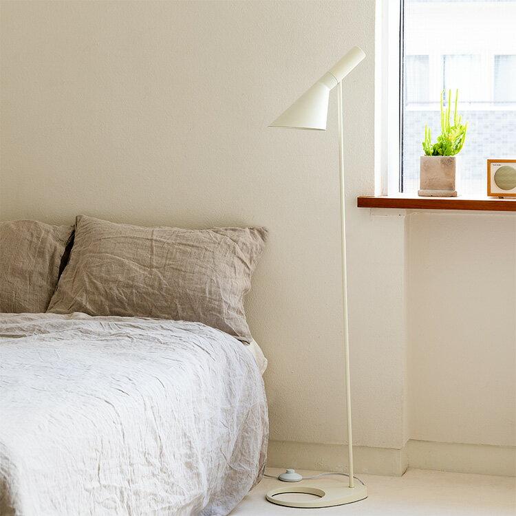 フロアライト 1灯 BBF-040 [] 照明器具 ライト スタンド 間接照明 照明 スタンドライト フロアスタンドライト フロアランプ リプロダクト リビング用 居間用 寝室 和室 北欧 おしゃれ LED ベッドサイド ランプ ルームライト インテリア モダン 新生活