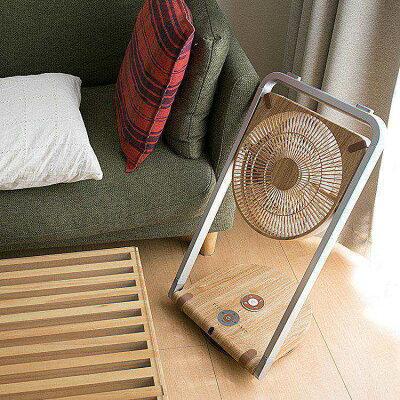 収納時に場所を取らない!厚さ約6.5cmの板状にまでコンパクトにできる扇風機
