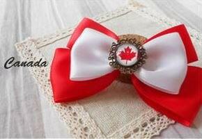 ブローチ リボン 国旗ボタン付き (カナダ) 【送料無料】